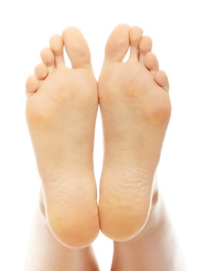 https://www.feetforlifemedical.ca/wp-content/uploads/2011/05/home-feet-min-400x550.jpg